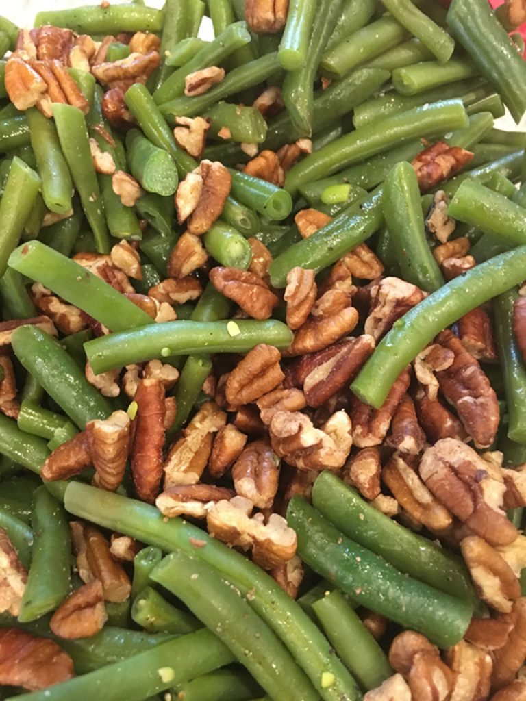 Green Beans with Toasted Pecans_edited-1